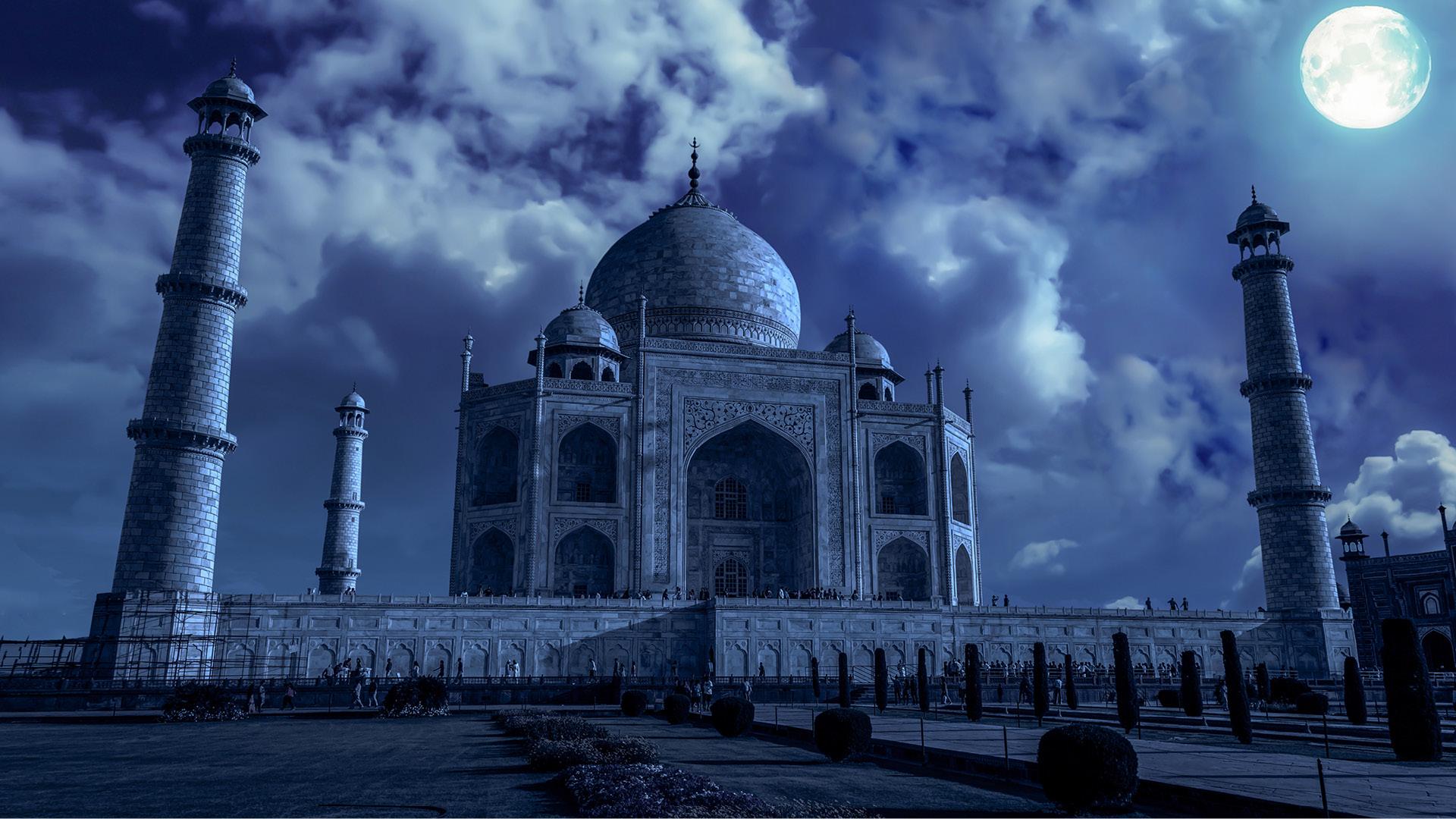 Contempla la belleza del Taj Mahal en una noche de luna llena